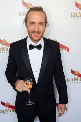 Maison Mumm e DJ David Guetta, Videoclip audace d'avanguardia.