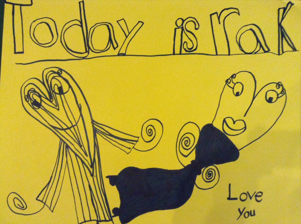 #GoBeKind @RakDayMH #everyday my daughter's thought to share 'I want to make a poster for my school to spread love' https://t.co/xyYntdvd3q