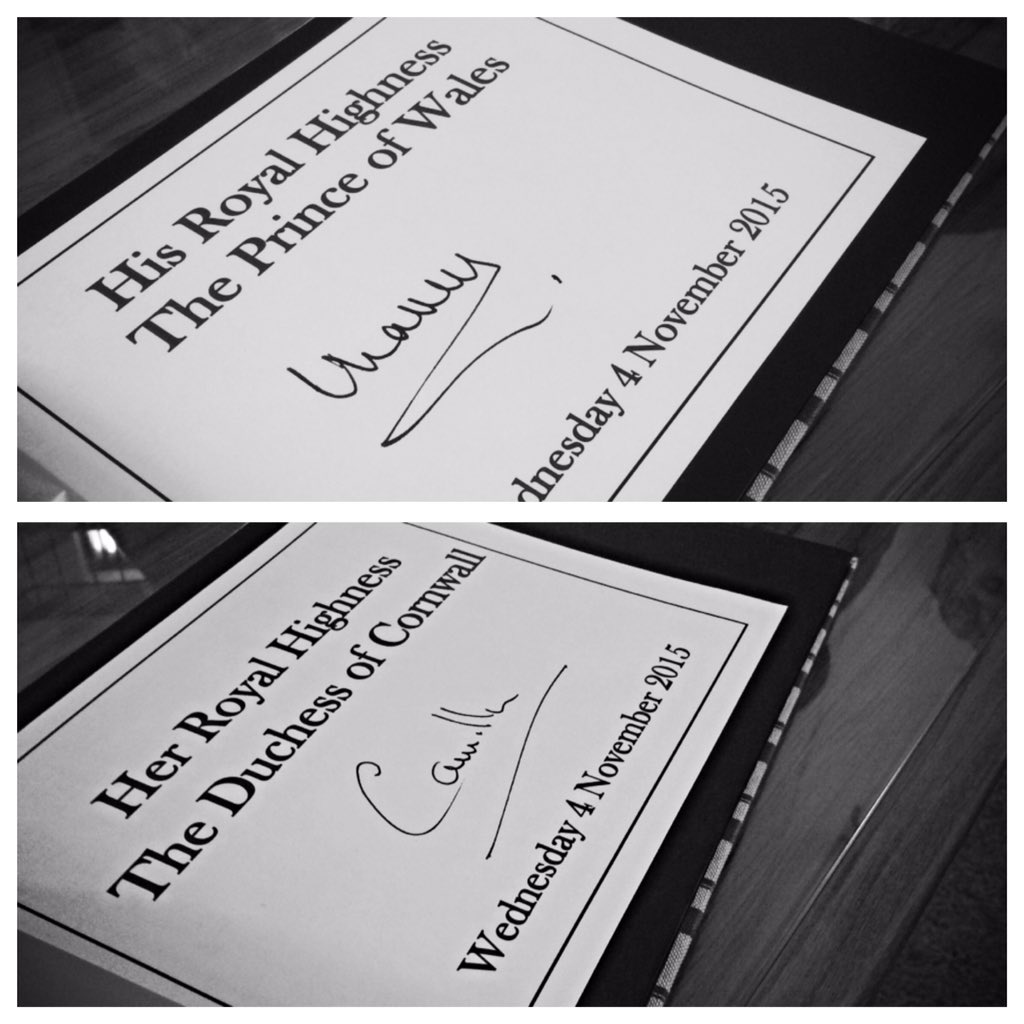 Their Royal Highnesses signed the visitors book during their visit to Pukeahu National War Memorial https://t.co/sNuYd7lwpg