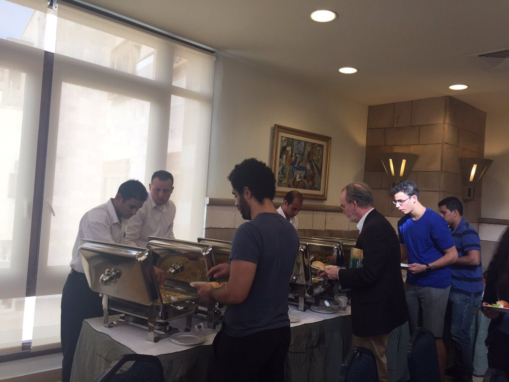 The guests are enjoying the lunch offered after the speech. #AUC #Philosophy_Club https://t.co/9bR2iDenQf