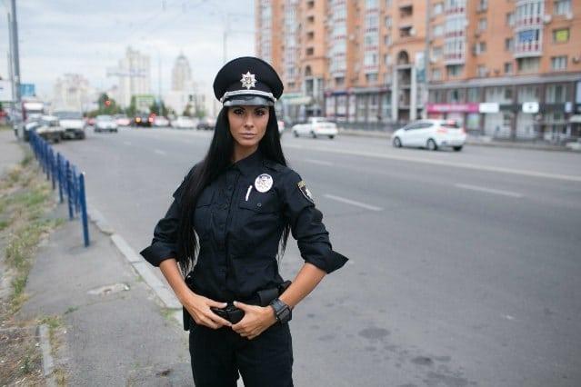 seksualnie-sotrudnitsi-politsii