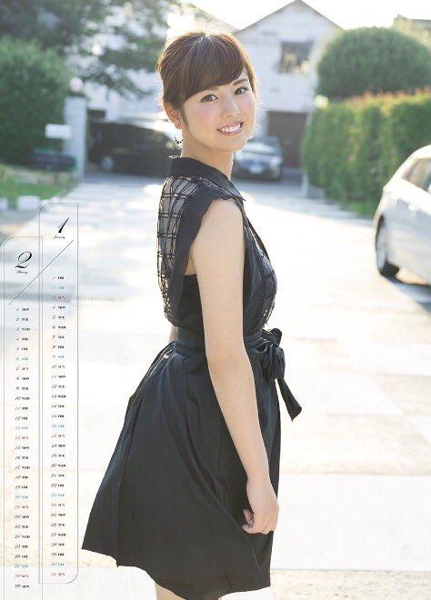 曽田麻衣子黒いワンピースのカレンダー写真