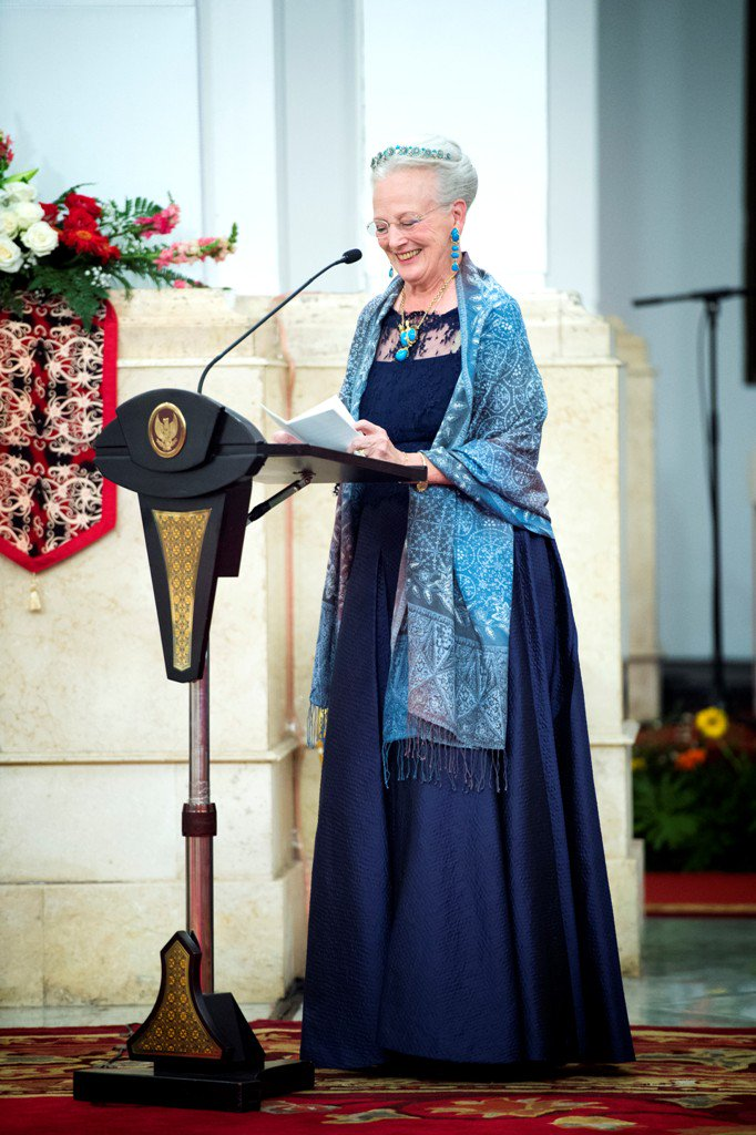 The Royal Order of Sartorial Splendor: October 2015