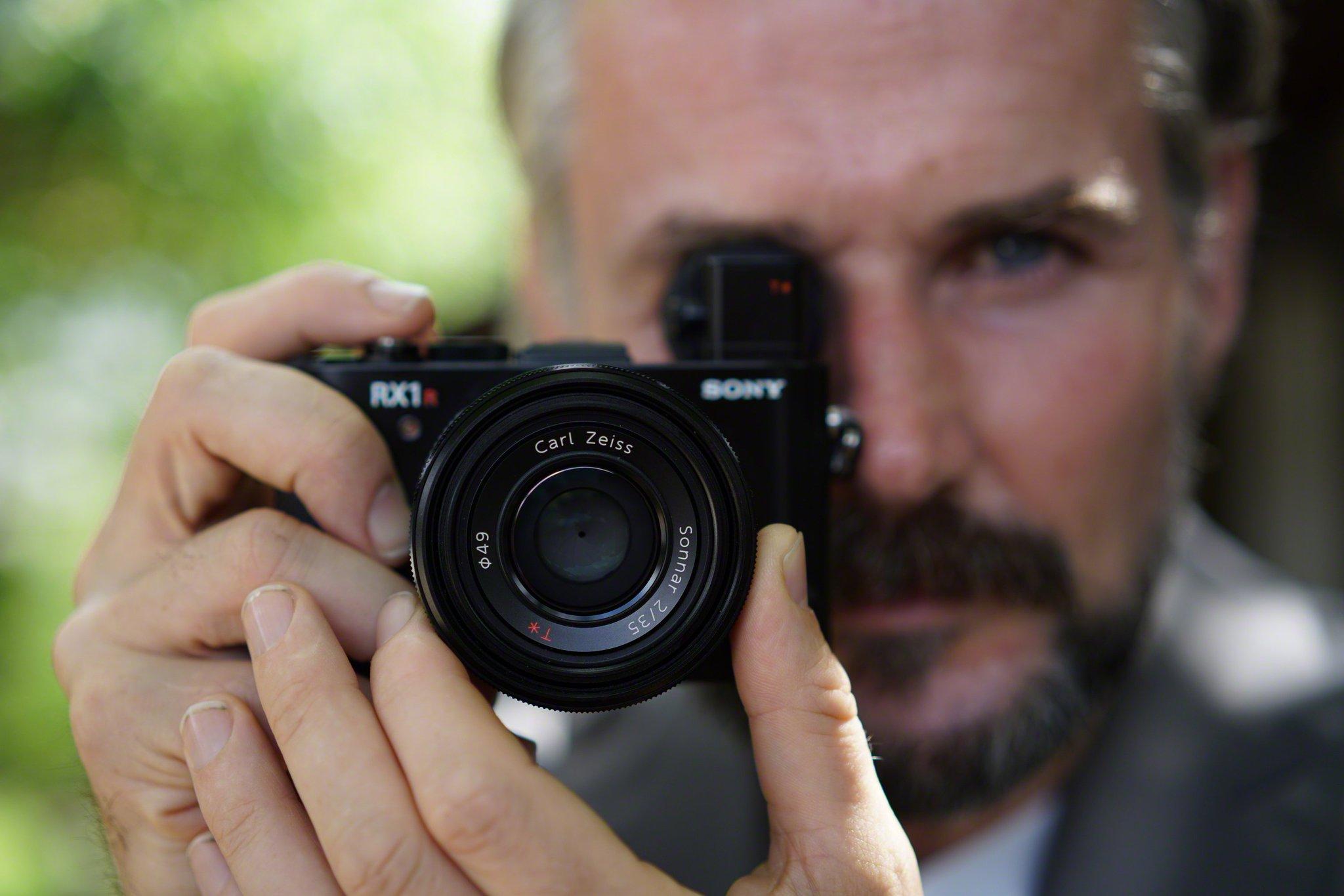 лучшие фотокамеры с полным кадром новые совместное фото