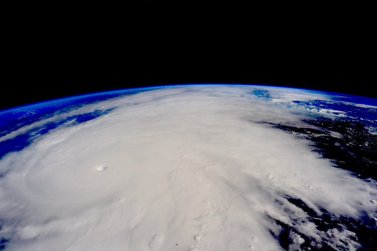Hurricane #Patricia looks menacing from @space_station. Stay safe below, #Mexico. #YearInSpace https://t.co/6LP2xCYcGD