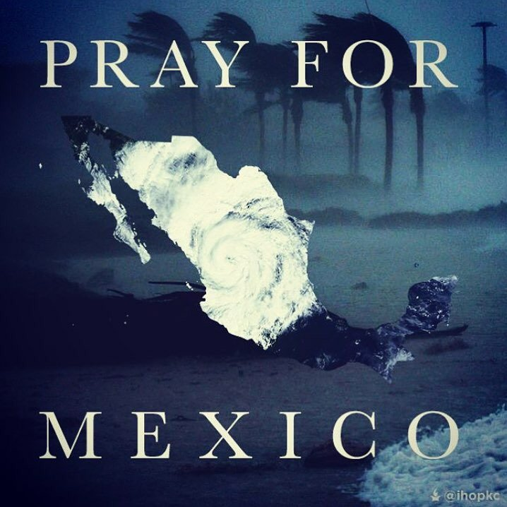 Please #PrayForMexico. Be thankful that you and your families are safe, just know that someone's isn't.