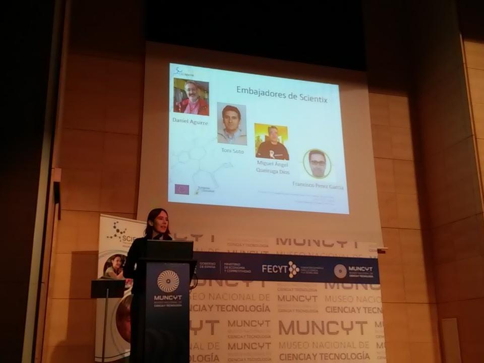 Los embajadores #Scientix en el congreso #ScientixSpain presentafos por Àgueda Gras https://t.co/ImAKJWCg75