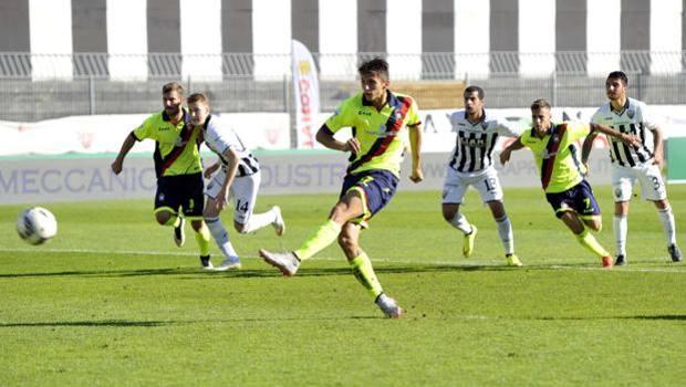 Serie B: Budimir permette al Crotone di rimanere in vetta