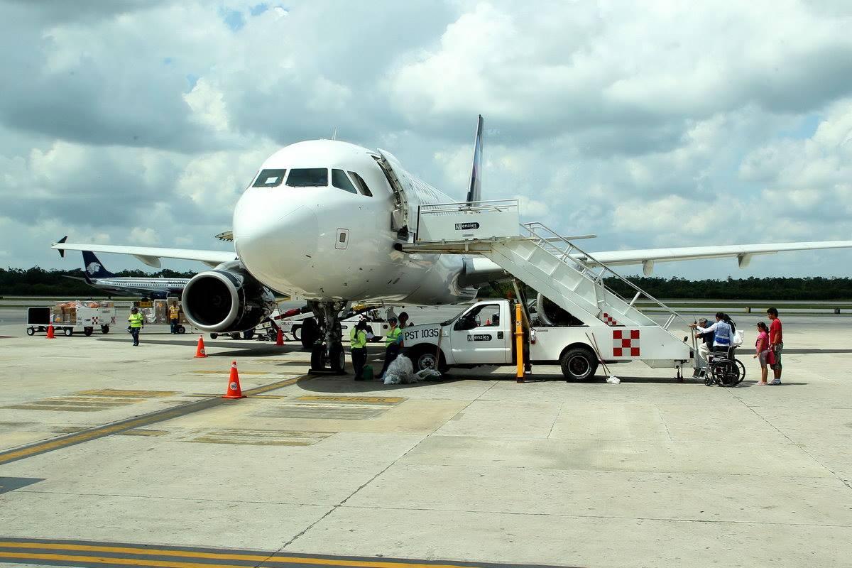 #SCT informa que los aeropuertos de Puerto Vallarta, Tepic y Colima operan con normalidad. https://t.co/UwfU2PRKYf
