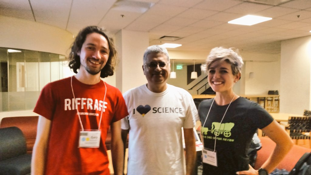 .@BiophysicalFrog & @MinorityPostdoc busting out our science t-shirts for the @FORsymp & @ASBMB hack day! #FORBOS15 https://t.co/hPm9IEjUsu