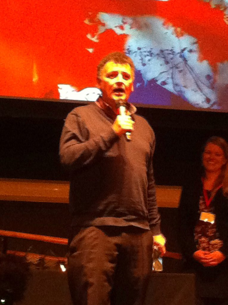 Stephen Moffat wins the Lifetime Achievement Award for his contribution to British screenwriting.   #LondonSWF https://t.co/cCRcd3RX2S