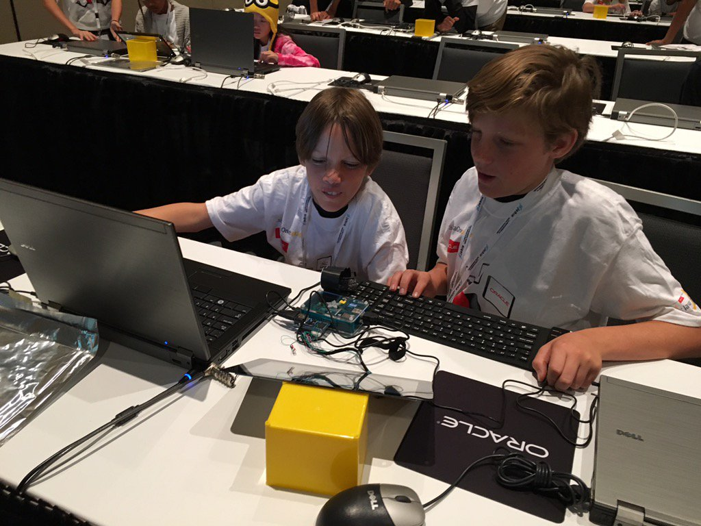 First users of the new Java SE Cloud service are the #JavaOne4Kids students.  4508 Lambdas created! https://t.co/iIaE7TabE2