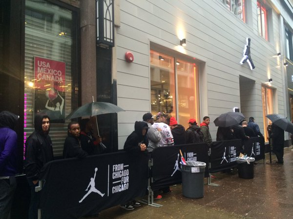 be like mike fans bombard nikes new michael jordan store on state street https