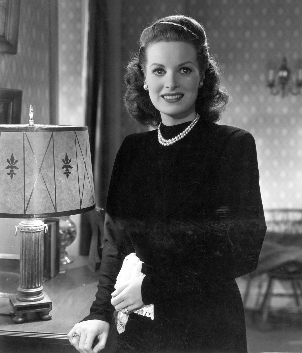 Maureen O'Hara of 'Miracle on 34th Street' dies at 95