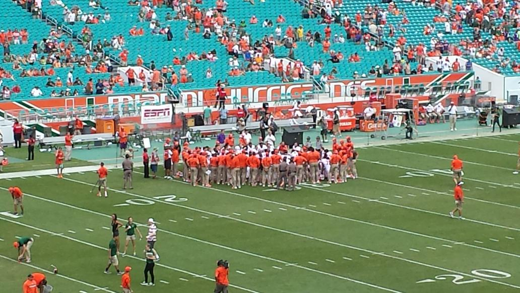 Clemson staying on field at half  Don't need,to make any adjustments https://t.co/8tqFNZ7VpT