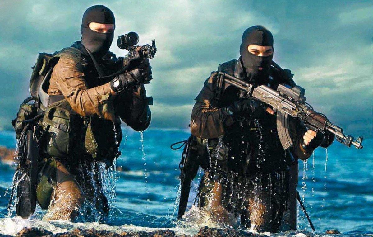 """وحدة النخبة البحرية في الجيش الإسرائيلي: """"السرية 13"""" ........Shayetet 13 CSHiME8U8AA0l9m"""
