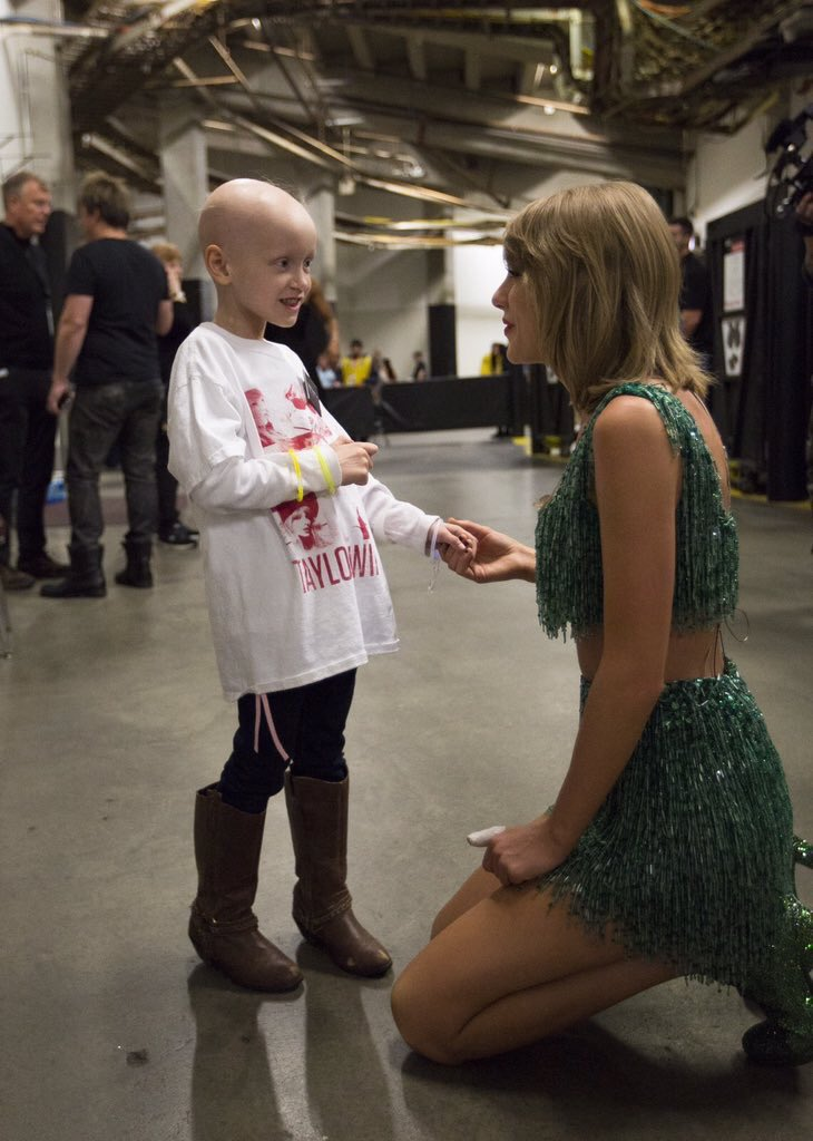 This picture sums up the @taylorswift13 My daughters and I got to meet tonight more than any other pic I've seen. https://t.co/BzbadC81UO