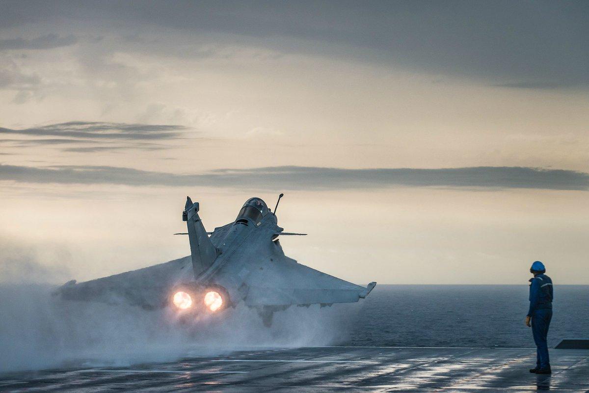 مقاتلات Rafale F4.2 شبحيه : ولكنها تظل ذات قدرات اقل من F-35 CSIcEyNXAAE9Ae7