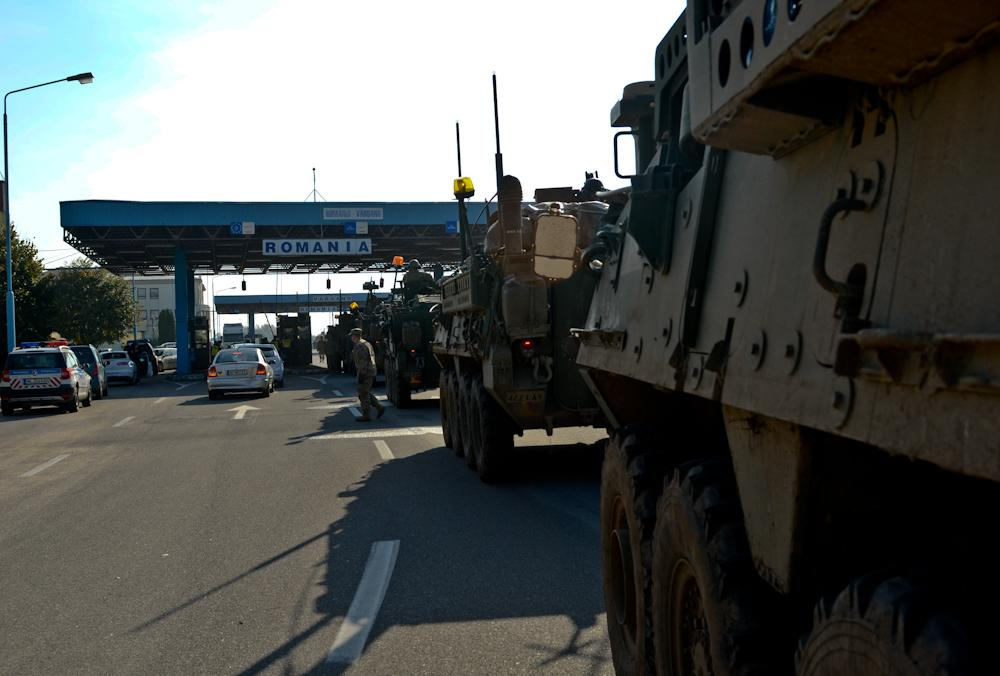 NATO/US Military Build up in Eastern Europe-Russian borders - Page 6 CSJTvFYXIAE6urE