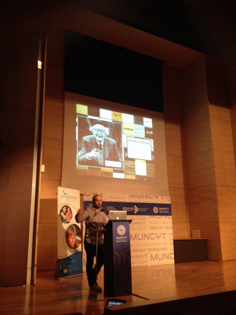 Dice @ryanejenkins que el psicólogo Jean Piaget es el abuelo del Tinkering, aprendizaje constructivo #scientixspain https://t.co/5nRLyljzQS
