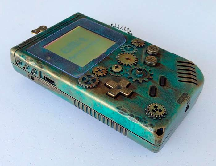 #Geek Awesome of the Day: Verdigris-like #Steampunk #Nintendo #Gameboy with Key & Cogs via @hostiaqueguapo #SamaGeek