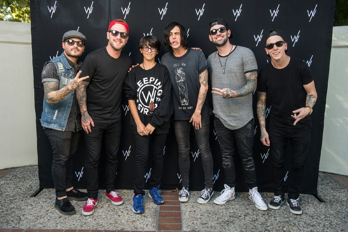 Sleeping with sirens on twitter if you got a vip upgrade for the sleeping with sirens kellin quinn nick martin and 3 others m4hsunfo