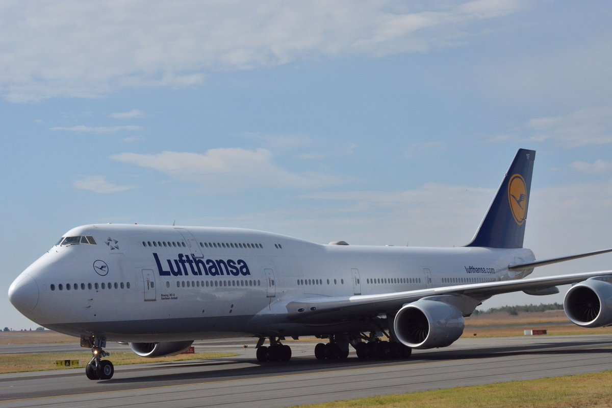 Today, history was made as Lufthansa's new stretched Boeing 747-8 touched down on African soil for the first time! https://t.co/M0znG9a8sj