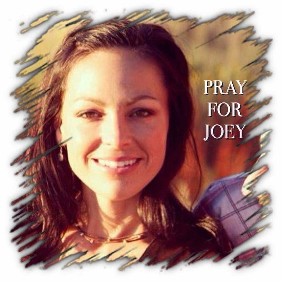 I know miracles happen. My prayers to Joey Feek & her family for healing-peace&strength to fight through this battle https://t.co/P42greFTxI