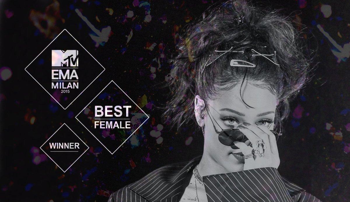 Nominaciones/Premios/Records de Rihanna (1º artista con 100 Millones de singles USA! #Bowdownbitches) - Página 31 CSMYaXzWEAE5mNk