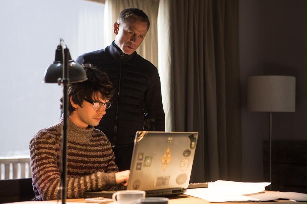 【生中継情報!】日本時間27日(火)午前2時〜『007 スペクター』ロンドンプレミアLivestream配信!日本では深夜ですが現地の熱狂を体感しましょう!配信URL→ #SPECTRE