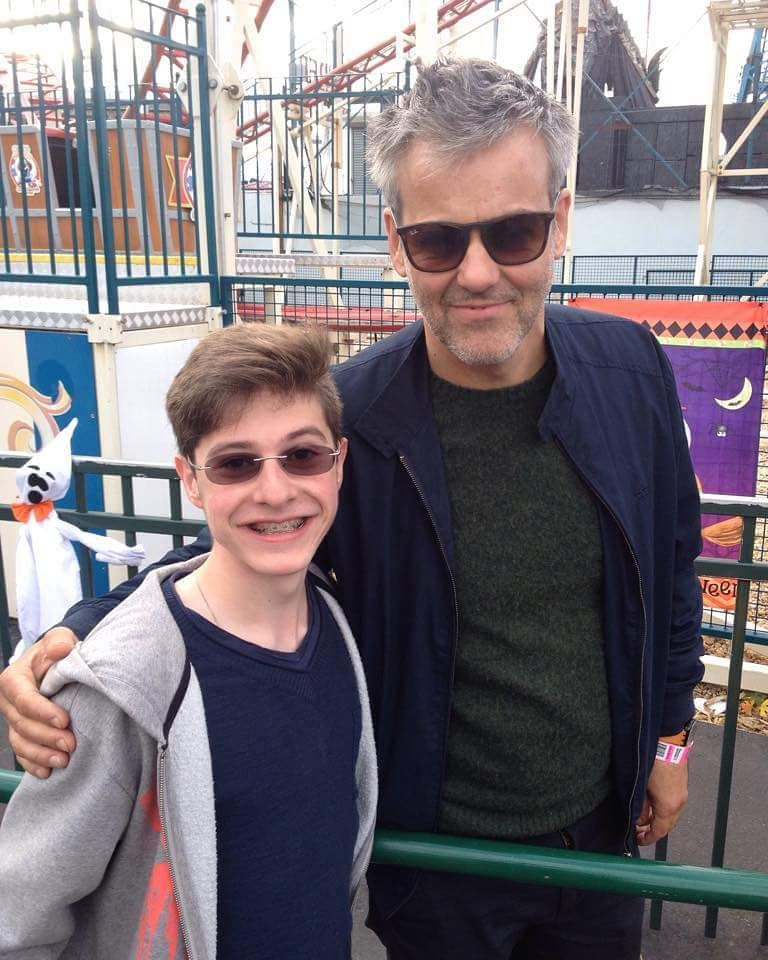 Saw Rupert Graves (Sherlock's Lestrade) today at Coney Island. This is him and my cousin. … https://t.co/QaiwofUdVD https://t.co/HxWHsqSsKo