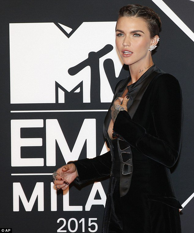 I don't know a more eloquent phrase for it, but you nailed the shit out of the MTA EMA's @RubyRose https://t.co/733RP69hrr
