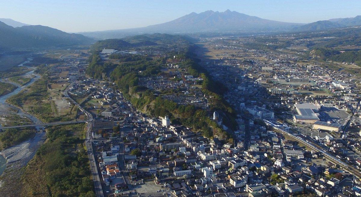しかし七里岩すごすぎる。世界遺産にしてしまいたい。韮崎市民わかってるのかなあ? https://t.co/qlYszJx0RD