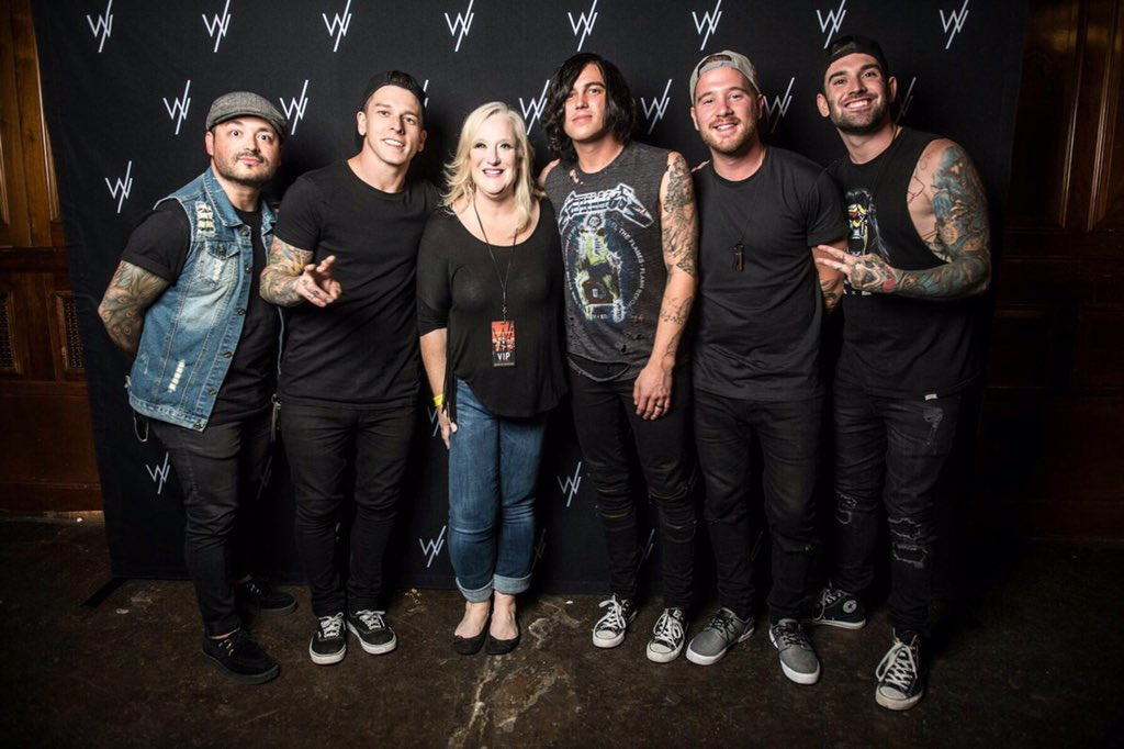 Sleeping with sirens on twitter if you got a vip upgrade for the swstheband grizzleemartin kellinquinn dallaspicitterzj3vj4dwej m4hsunfo