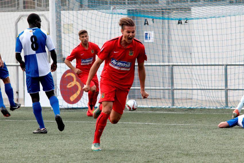 Dorian Babunski after his goal; photo: Fuenlabrada