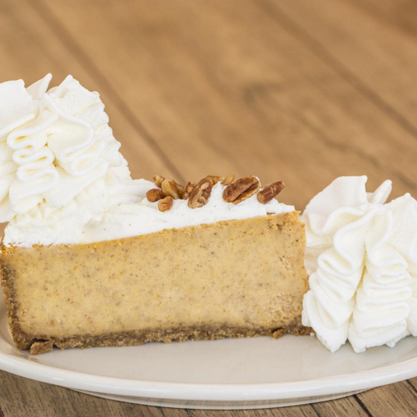 In celebration of #NationalPumpkinDay, we invite you to indulge in Pumpkin Cheesecake from @Cheesecake Factory! https://t.co/vyxBcGNYV5