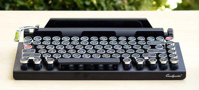 【何これほしい】タイプライター風ワイヤレスキーボードが素敵すぎる