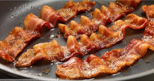 องค์การอนามัยโลกประกาศสงครามกับ bacon แล้ว...หากกินวันละเกิน 2 ชิ้นความเสี่ยงมะเร็งลำไส้เพิ่ม 18%...คุณชอบเบคอนไหม? https://t.co/zS0NQAhNQ1