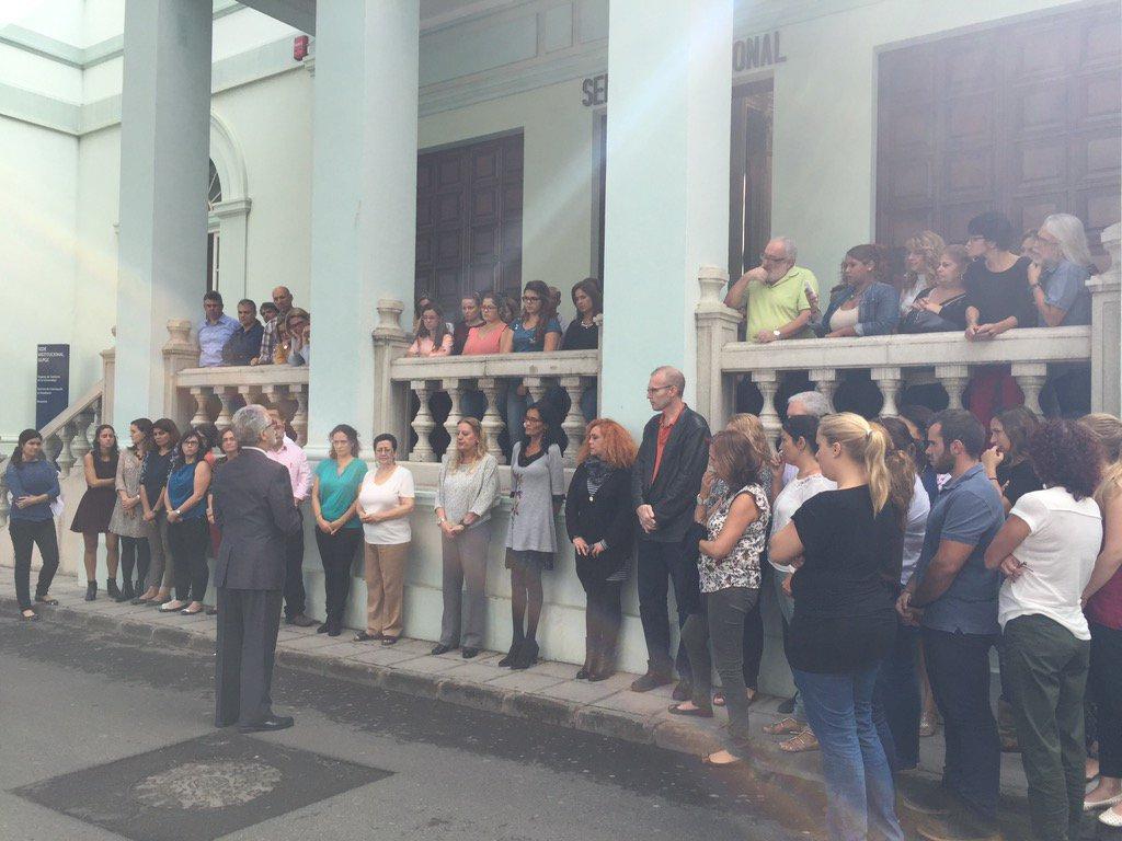 Minuto de silencio por la muerte de la estudiante de RRLL.El Rector transmite su pésame a familia y amigos https://t.co/P0rk582kXo