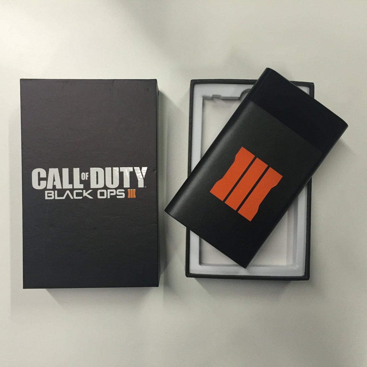 [COUNTDOWN] UNDER 2 DAYS TO GO! RT + FOLLOW for a chance to win a LE @CallofDuty #BlackOps3 Phone Charger (24 hours) https://t.co/bKHJpImc7h