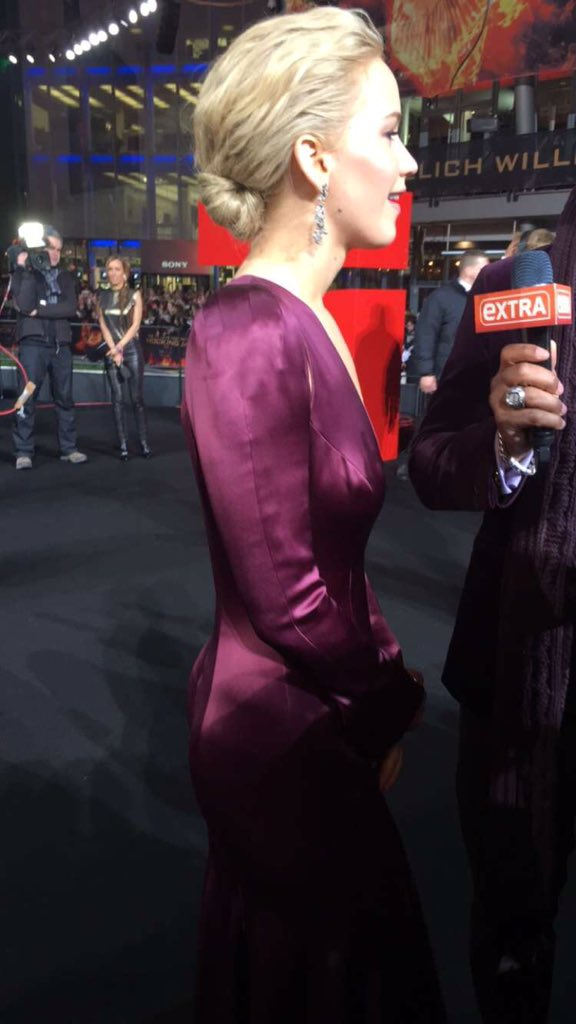 No JLAW, Josh and Liam interviews on the red carpet