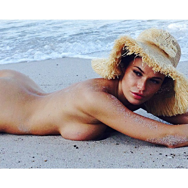 Famous Naked Celebs On Twitter Samantha Hoopes Nude And Sexy Photos Https T Co Uovbkdwd6q Https T Co M29frl7yr5