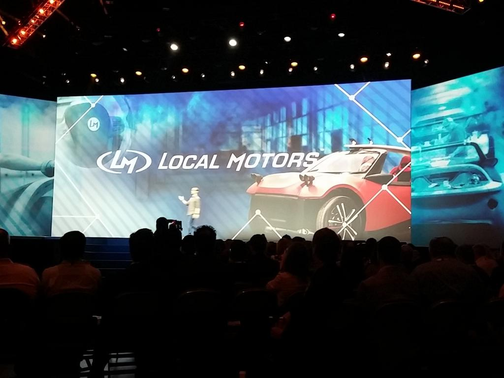 3D printed electric car #ibminsight #NewWaytoWork Disruption in the auto industry. https://t.co/ceSIx1HcKS