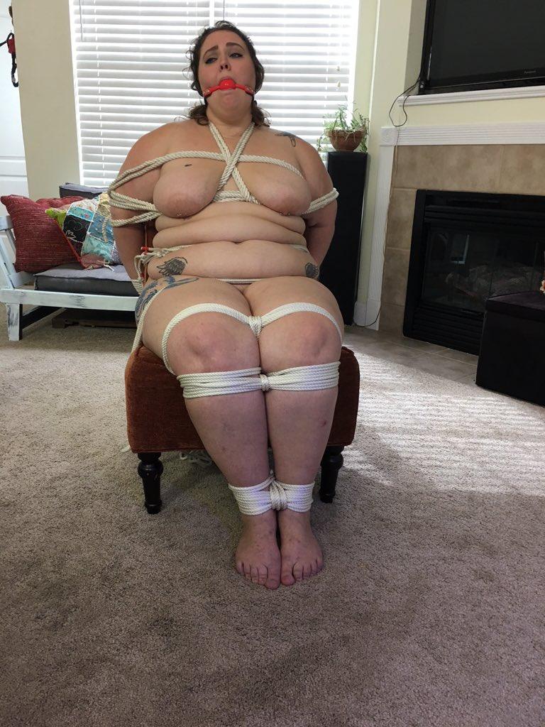 Домашнее связывание пожилых и полных женщин видео, голые разрисованные тела