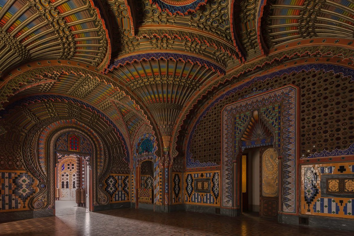 Sitting in Regal Silence...the forgotten beauty of the Castello di Sammezzano https://t.co/gJxIymWmMS https://t.co/4UpZfiSp1q