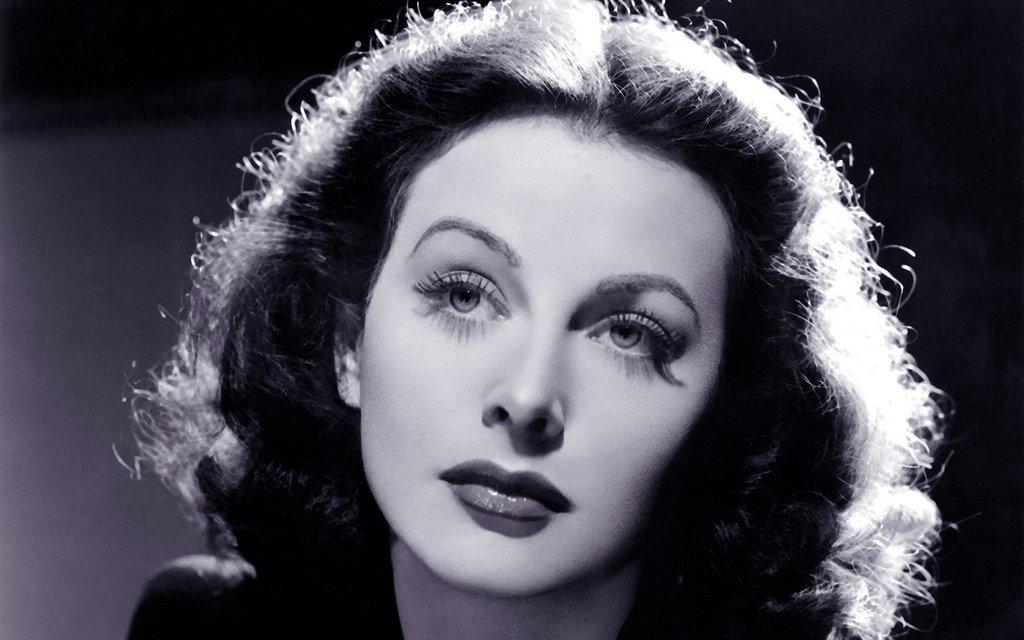 Frase celebre di Hedy Lamarr sulle donne che conquistano
