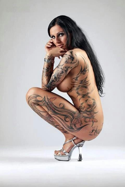 hottest naked women covered in sexy tattoos