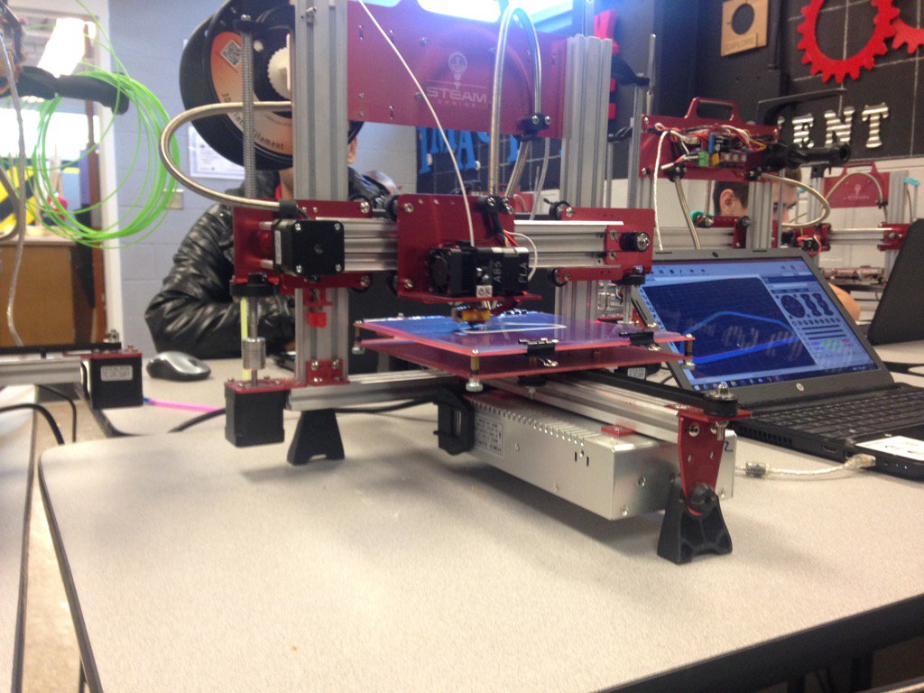 3D printers are changing the way kids learn engineering skills at an @IPSSchools HS. Live report next @FOX59