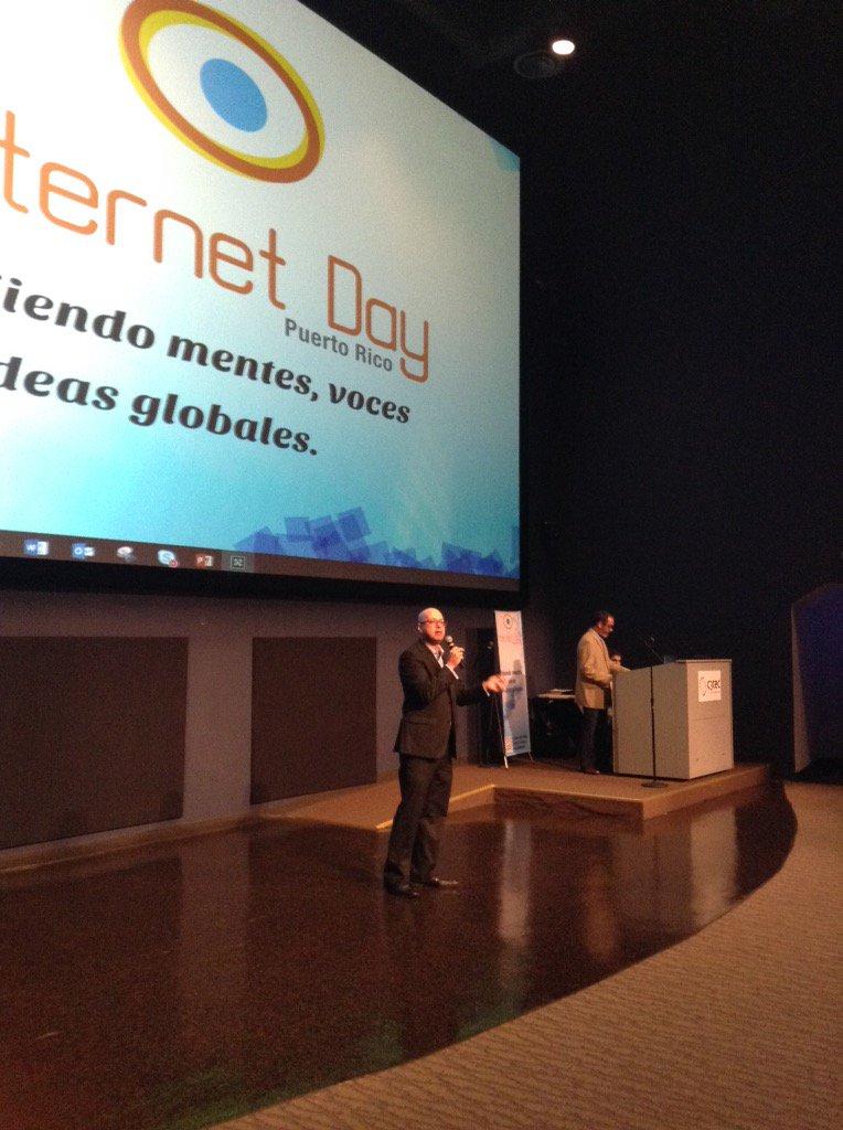 Sección de preguntas y respuestas con Obed Borrero #InternetDayPR15 #HETSevents @hetsorg https://t.co/oLECCEXSr3