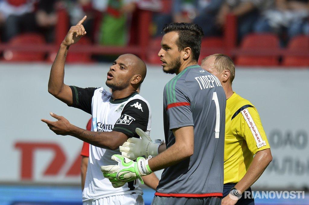 Натурализованный футболист может появиться в сборной России, заявил Мутко